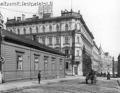 Lönnrotinkatu (Antinkatu). 1907. Lähde: http://albumit.lasipalatsi.fi/