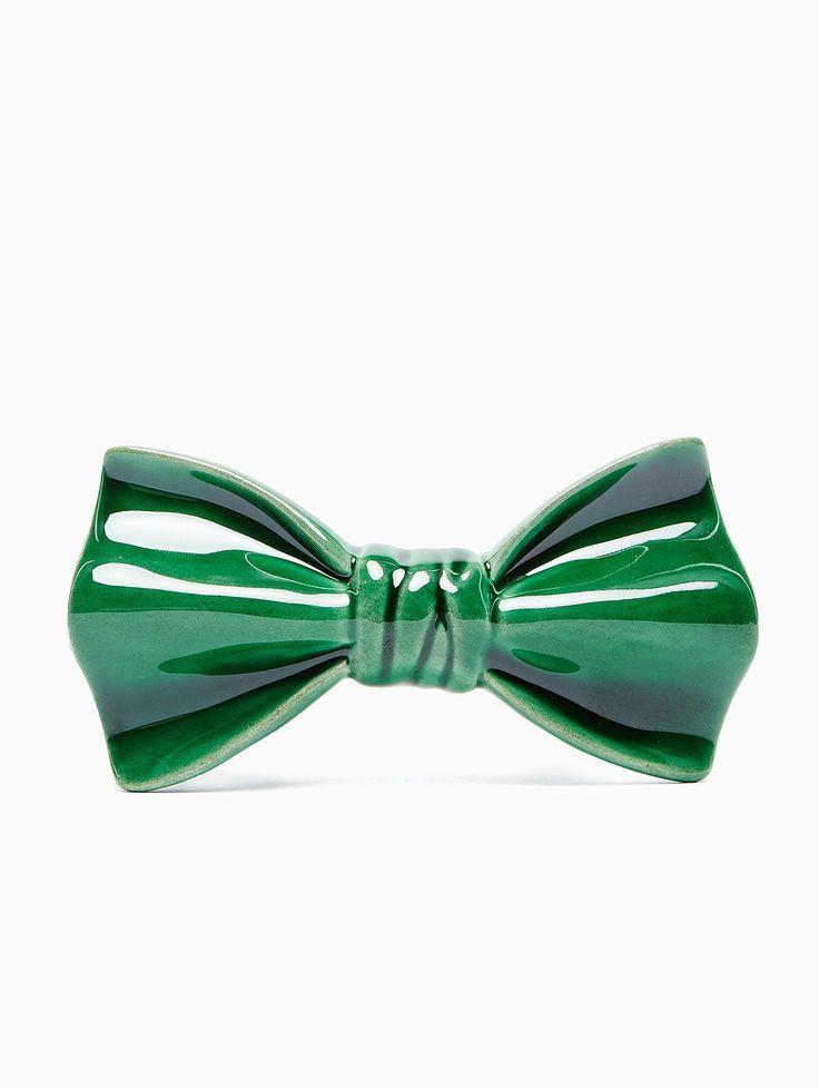 Ceramic bow-tie