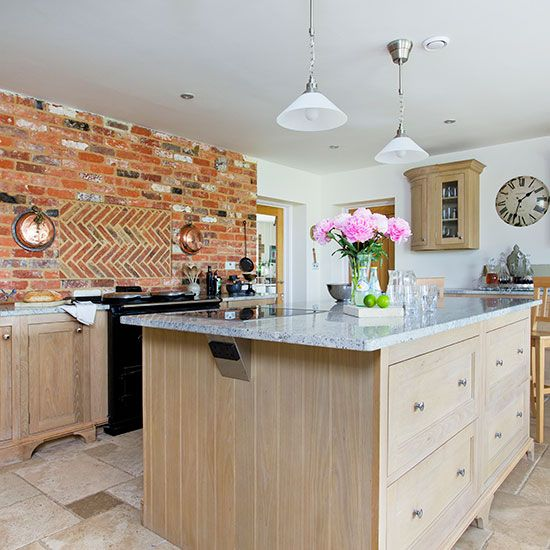 Traditional kitchen with oak island unit | Kitchen decorating | Beautiful Kitchens | Housetohome.co.uk