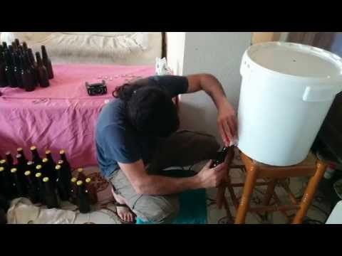 COMO HACER CERVEZA ARTESANAL EN TU CASA - YouTube