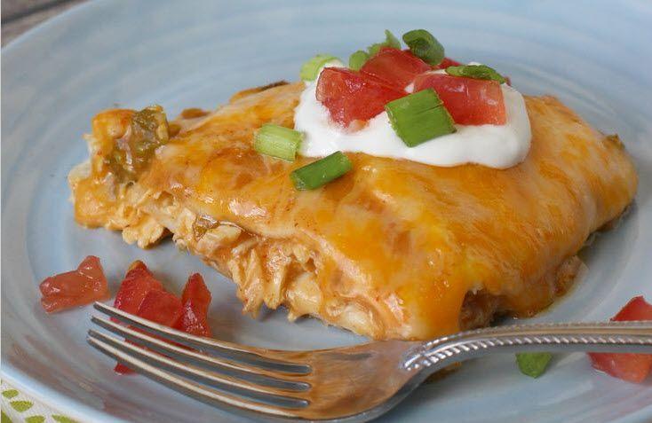 Resep Chicken Casseroles ini tergolong resep ayam yang sederhana dan pasti digemari anak-anak dirumah. Dengan cita rasa dan lelehan keju serta sensasi saus pasta yang gurih-asem-pedas dijamin bikin penduduk rumah ketagihan. Mangga dicoba ya bunda :)