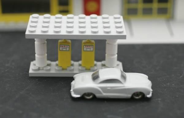 Lego 1:87 VW Ghia Bedford Esso Truck Shell 3 Garagen in Wetzikon ZH kaufen bei ricardo.ch