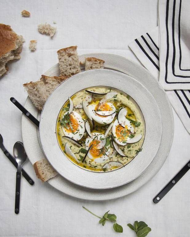 Houmous aux herbes, œufs et radis pour 4 personnes - Recettes Elle à Table