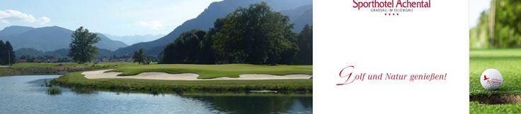 Spektakulärer 18-Loch-Golfplatz ist eröffnet! Wasser- & Feuchtflächen prägen das Erscheinungsbild. Im #Golf #Resort #Achental trifft der Spieler auf einen sportlich anspruchsvollen #Golfplatz in sehr natürlichen Umgebung. Herausforderung, Strategie & Spaß am Spiel: Alle 3 Faktoren haben beim Design des Platzes wesentliche Rollen gespielt. Am 15. Loch spielt der Platz seine Reize voll aus: Das kurze Par 3 ist trickreich zu spielen, von 3 Bunkern umringt mit tollem Blick auf den Wilden #Kaiser