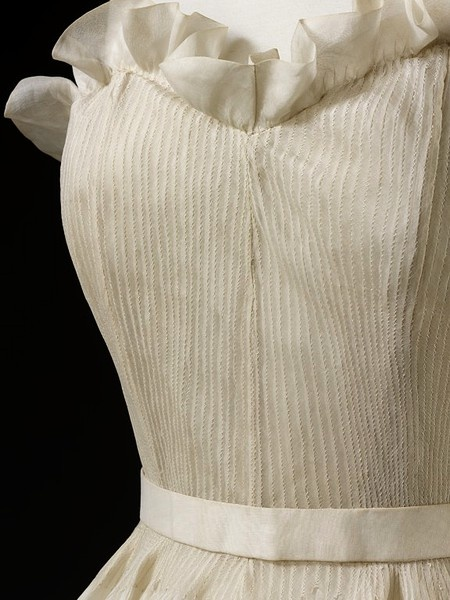Evening dress, organza, gathered and boned, by Marcelle Chaumont, 1948.