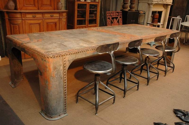 The stools are amazing, the table is intriguing. An Aaron Christensen find! (He's AMAZING!)