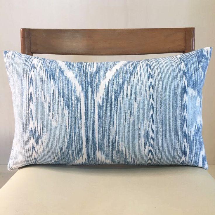 Un preferito personale dal mio negozio Etsy https://www.etsy.com/it/listing/526953729/dusty-turquoise-batik-cushion