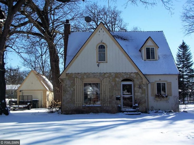 See details for 546 Juul Road SW, Hutchinson, MN, 55350, Single Family, 2 bed, 2 bath, 928 sq ft, $99,500, MLS 4804645. SW Hutchinson 2 bedroom, 1 1/2 story home with original woodwork, hardwood floors, fireplace, 6 panel doors and deck. Single detached garage.