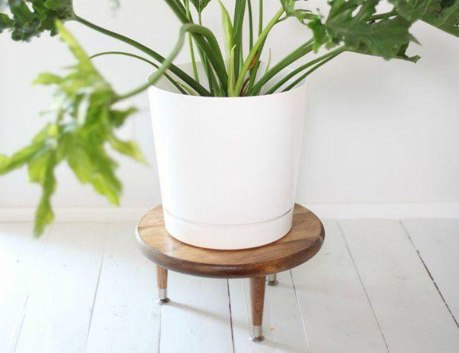 best 25 plant stands ideas on pinterest diy planter. Black Bedroom Furniture Sets. Home Design Ideas