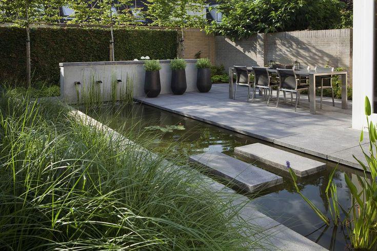 Een moderne tuin die toch veel sfeer uitstraalt is een van de specialiteiten van Abrahams Hoveniers. Bekijk de projecten voor jouw moderne tuin
