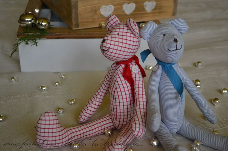 Cute bears - perfect gift for not just kids!  :-) Made with Tilda pattern.