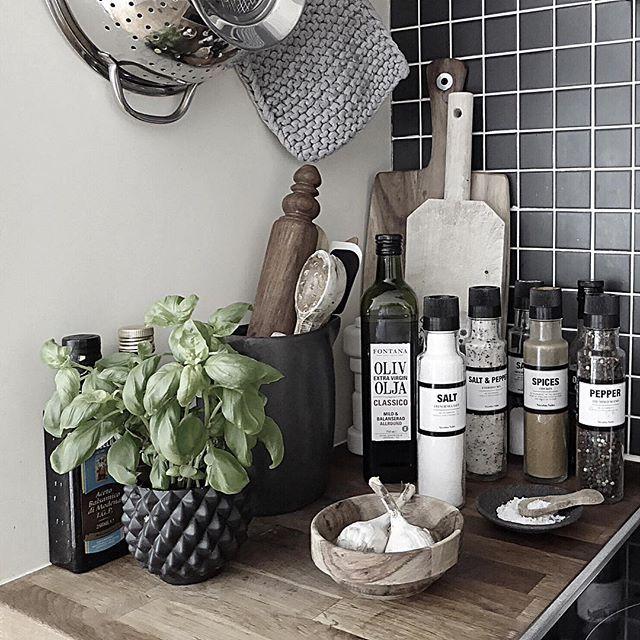 A tidy kitchen is a tidy mind