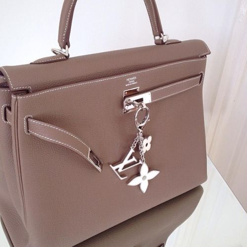 Hermes Kelly bag and LV bag charm. Outfits, Outfit Ideas, Outfit Accessories, Cute Accessories