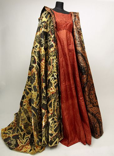Isabelle de Borchgrave - dress and cape made of paper.  Outstanding artistry.
