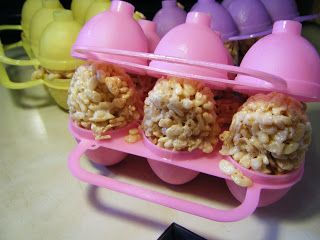 It's Written on the Wall: 20 Easter Rice Krispies Treats-So Cute! Use a Jell-O egg mold to get your treats into an egg shape! (Recipes & Instructions)