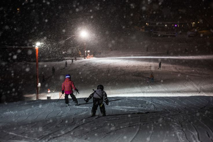 Once a week on Saturdays we host Night Skiing on the Mighty Moose. An opportunity for families to head out together and get a few more turns in under a lit up run. Maybe end the evening with a bite to eat or a warm drink at one of close by restaurants.