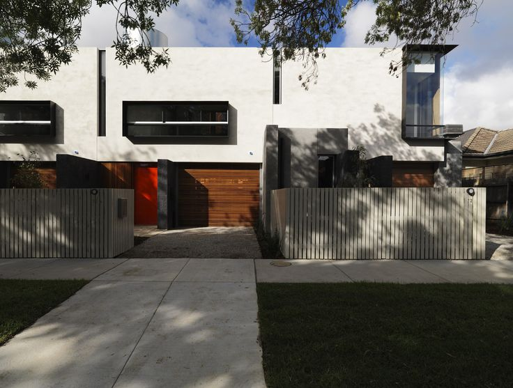 Built by McAllister Alcock Architects in Elwood, Australia The brief was to develop 2 existing house sites with 4 townhouses while minimising the impact on the environment. Our...