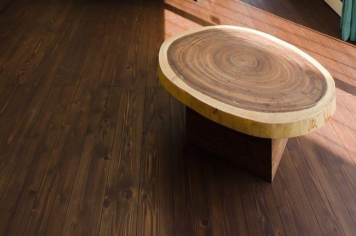 丸太の椅子。色々なきれいな椅子がありますが、日本な感じが好きだなと。でも、かわいい家にも合いそうな。 #グランハウス#岐阜#設計事務所 #椅子#イス#いす#かわいい椅子 #おしゃれ#インテリア#家具#チェア #デザイン住宅#無垢の床#自然素材 #おしゃれな家具#注文住宅#新築 #interior#architecture#chair#furniture