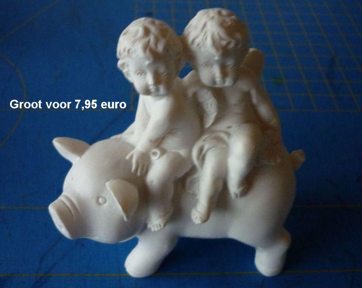 engeltjes op varkentje TE KOOP - groot voor 7,95 euro