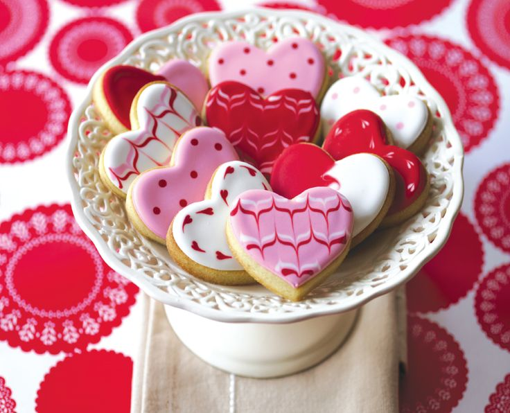 Patterned Heart Cookies are easy to make and incredibly satisfying to achieve.  Learn how to make these win you sign up for #mycakedecorating