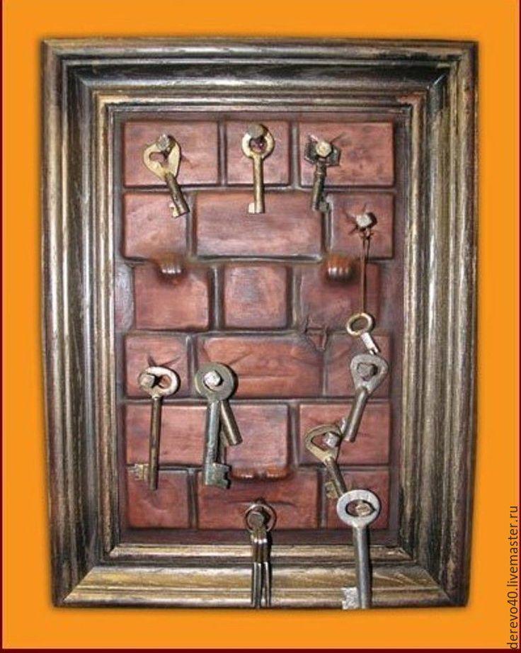 купить красивую ключницу настенную