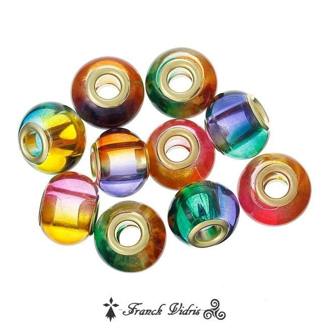 5 Perles de style Pandora en verre 15 x 11 mm, trou de passage 4.9 mm , épaisseur 11 mm, oeillets en cuivre doré reflets aux multiples nuances  Prix 1.99€ les 5 perles