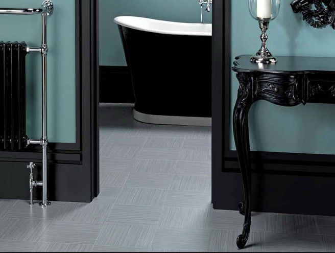 If we did black baseboards in our next house, I would love this bathroom with chrome accent