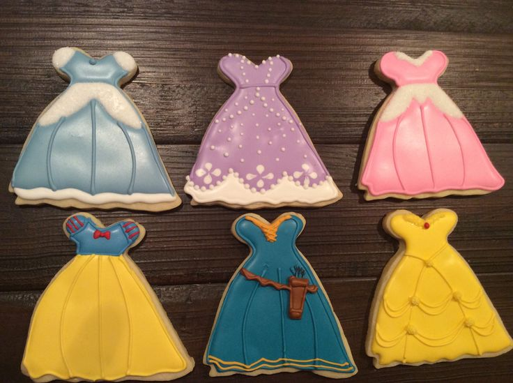 - Cinderella, Sophia, Sleeping Beauty, Snow White, Merida, and Belle. NFSC with royal icing