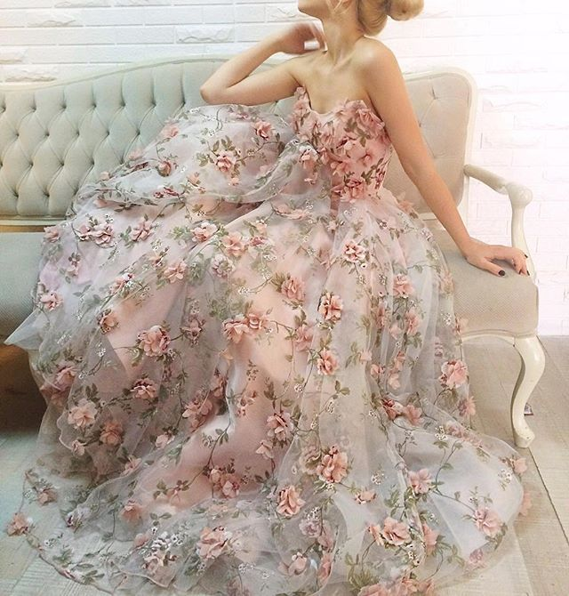 This gown by Teuta Matoshi Duriqi