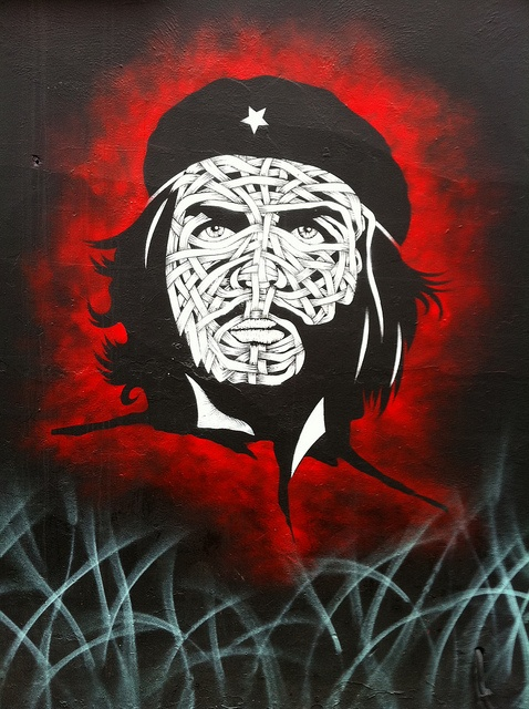 "Ernesto ""Che"" Guevara done by Chilean artist, Otto Shade on a wall by Hoxton Square, London. #Che #ErnestoCheGuevara #Graffiti #Art #StreetArt"