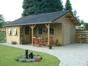 Love this lil' shed