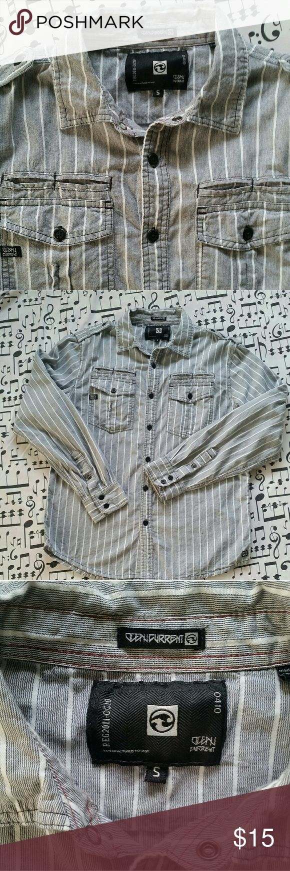 OCEAN CURRENT Men's Button Down Shirt Men's Grey with White Stripe Button Down Shirt  By Ocean Current Great Condition  Size S #shopmycloset #rockandrollclothing Ocean Current Shirts Casual Button Down Shirts