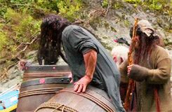 Thorin Oakenshield (GIF) Falls over. you majestic dork. I watched that more times than I should have