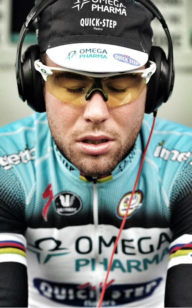 Twitter / liverpoolmerc: @MarkCavendish focusing while warming up @TourofBritain  #spincyclemag pic.twitter.com/1yFEHYirE8