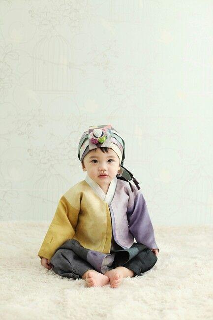 cutie in hanbok | www.hanboklynn.co.kr
