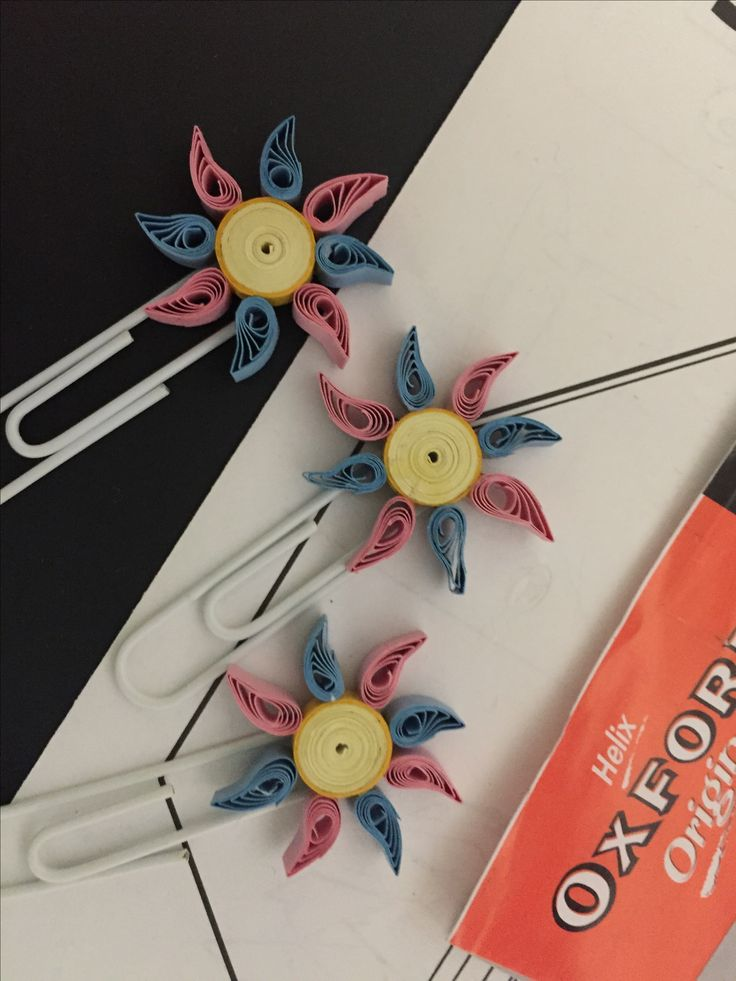useful for organising - quilled shapes on paper clips - Quilling project