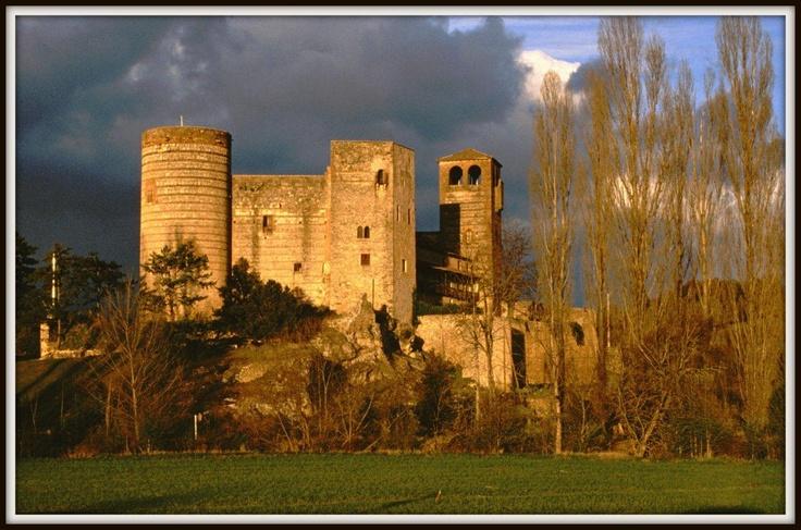 El castillo del Condado de Castilnovo. Segovia. España.