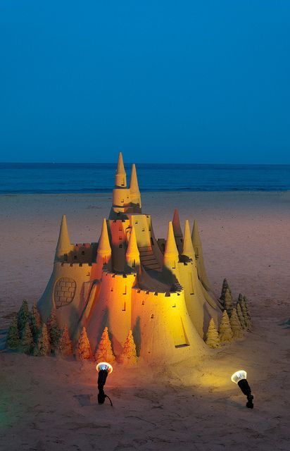 sand castle by Umleitung04, via Flickr