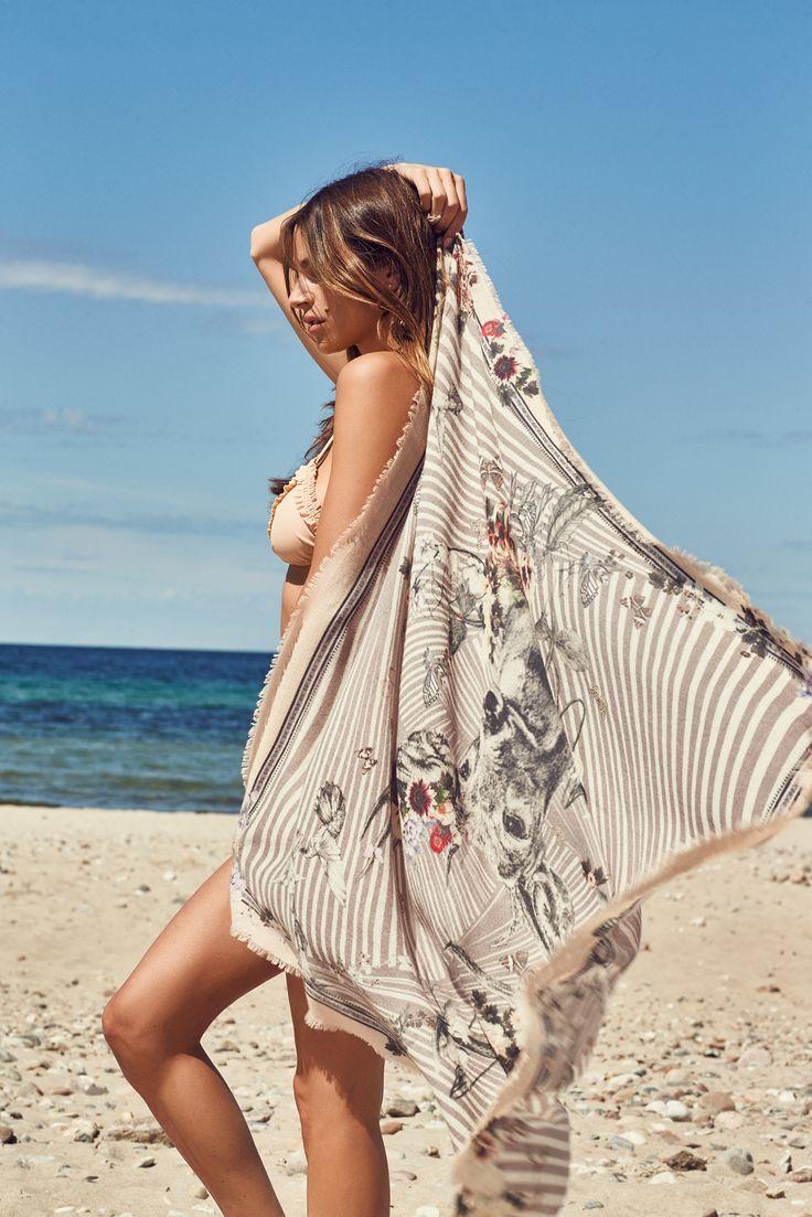 Ea scarf in cashmere and silk blend.  Dea Kudibal SS17 // Dreamcatcher
