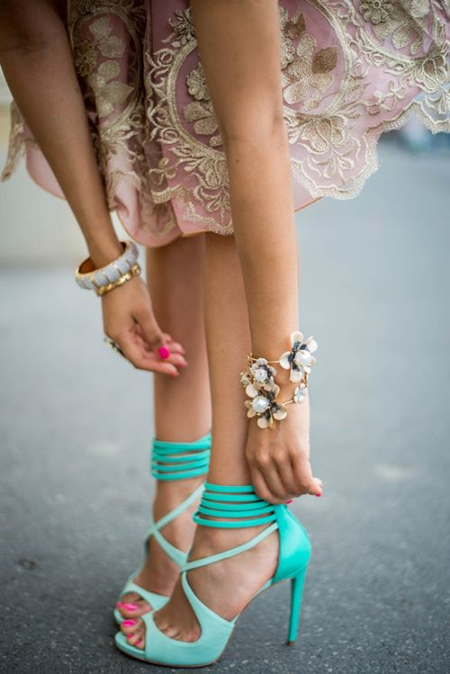 those bright shoes with the delicate lacey pink dress? Love.