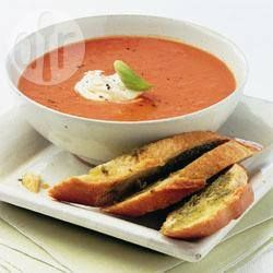 Velouté de tomates et poivrons rouges @ qc.allrecipes.ca