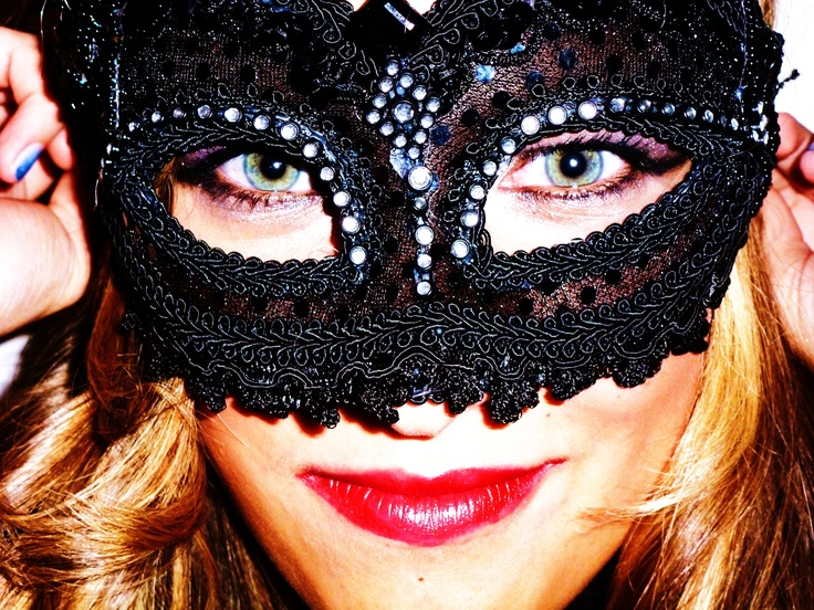Really easy Halloween costume - cheap masquerade mask and dramatic makeup. Super cute and no one will know who you are!