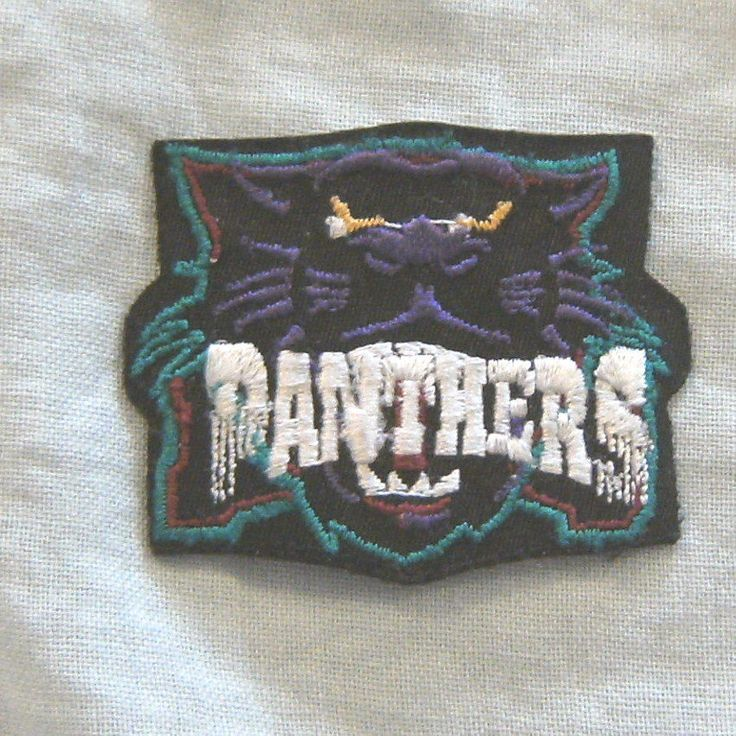 #D511.  RUGBY LEAGUE PATCH - PENRITH PANTHERS, SHIELD, SMALL