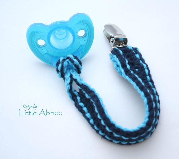 normally I get my crochet patterns from ravelry.com but this is the only good free pattern I could find for a pacifier clip