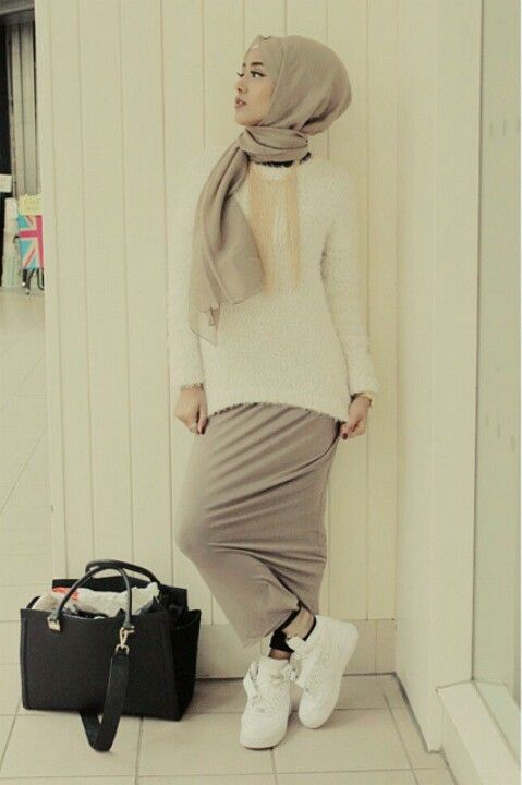 Casual Muslimah fashion. Nike air force one and pastel skirt