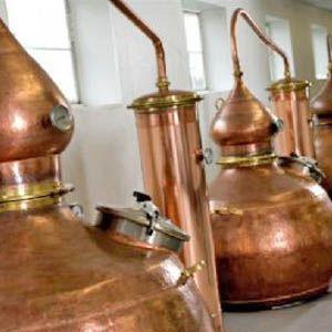 Det lyder som et eventyr, men det ganske vist! Der laves whisky i Danmark - nærmere bestemt i Stauning!  *Höga pot stills fra Hoga Company - http://www.hogastills.com
