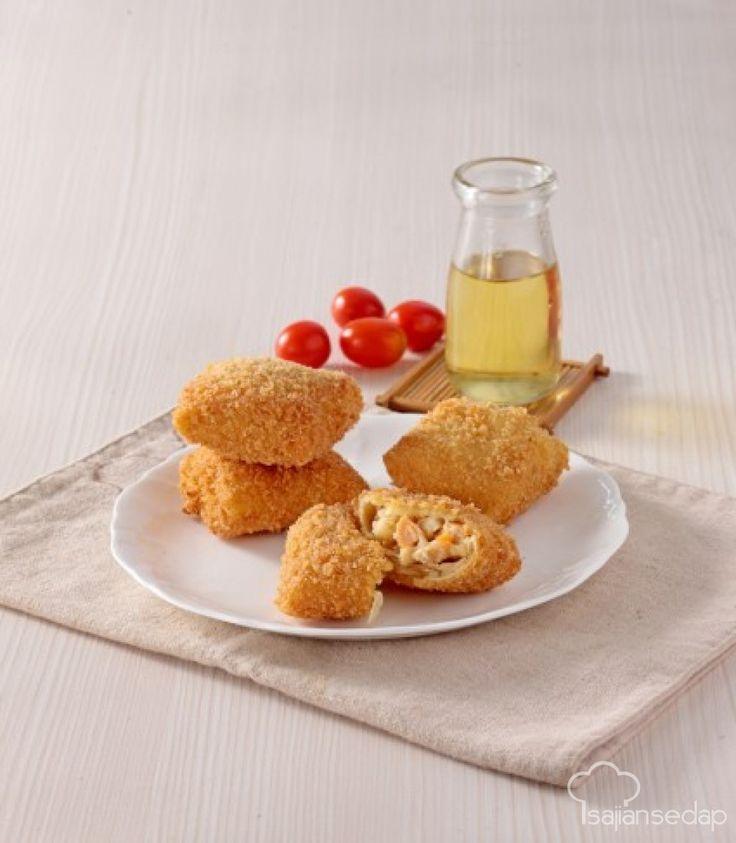 Risoles makaroni pedas, pilihan kudapan sore yang sangat lezat. Resepnya ada di sini.