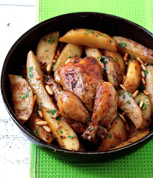 ингредиенты :  2 цыпленка весом по 500 гр или курица 1 кгкартофель 1 кг маринад:  чеснок 6 зубчиков(через пресс)1/3 стакана оливковое масло2 ч.л о...