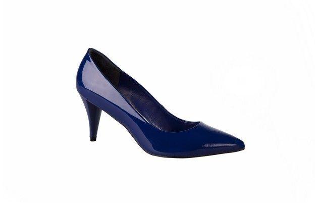 Zapato taco medio azul charol primavera verano 2013 2014