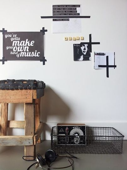 Masking Tape pour accrocher les photos.. #washitape #gallery wall